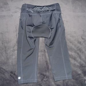 Athleta Pants - NWOT Athleta Cycling Capris XS